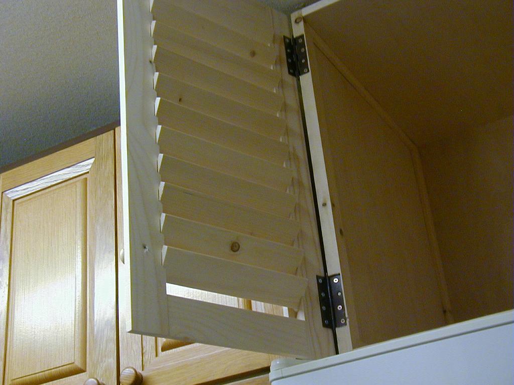 冷蔵庫の上の収納30